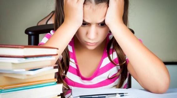 El reto de ayudarles con los deberes de los niños